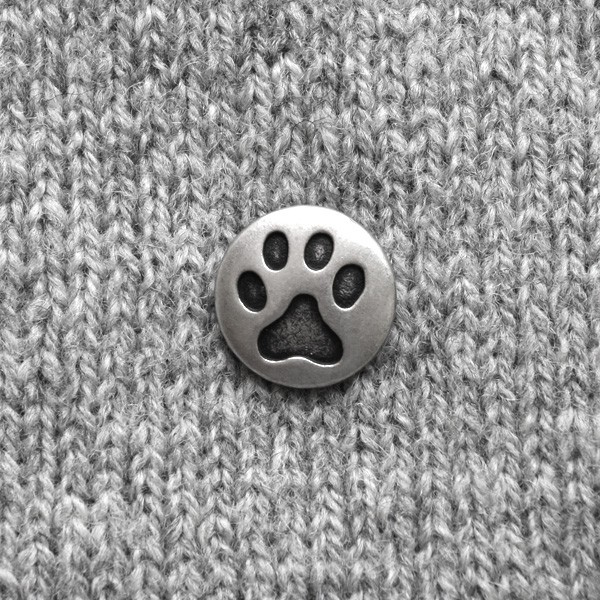 BUTTON - CAT'S PAW BUTTON